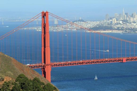 Close up of Golden Gate Bridge