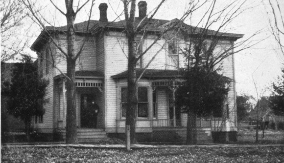 Idaho Chapter House in 1915